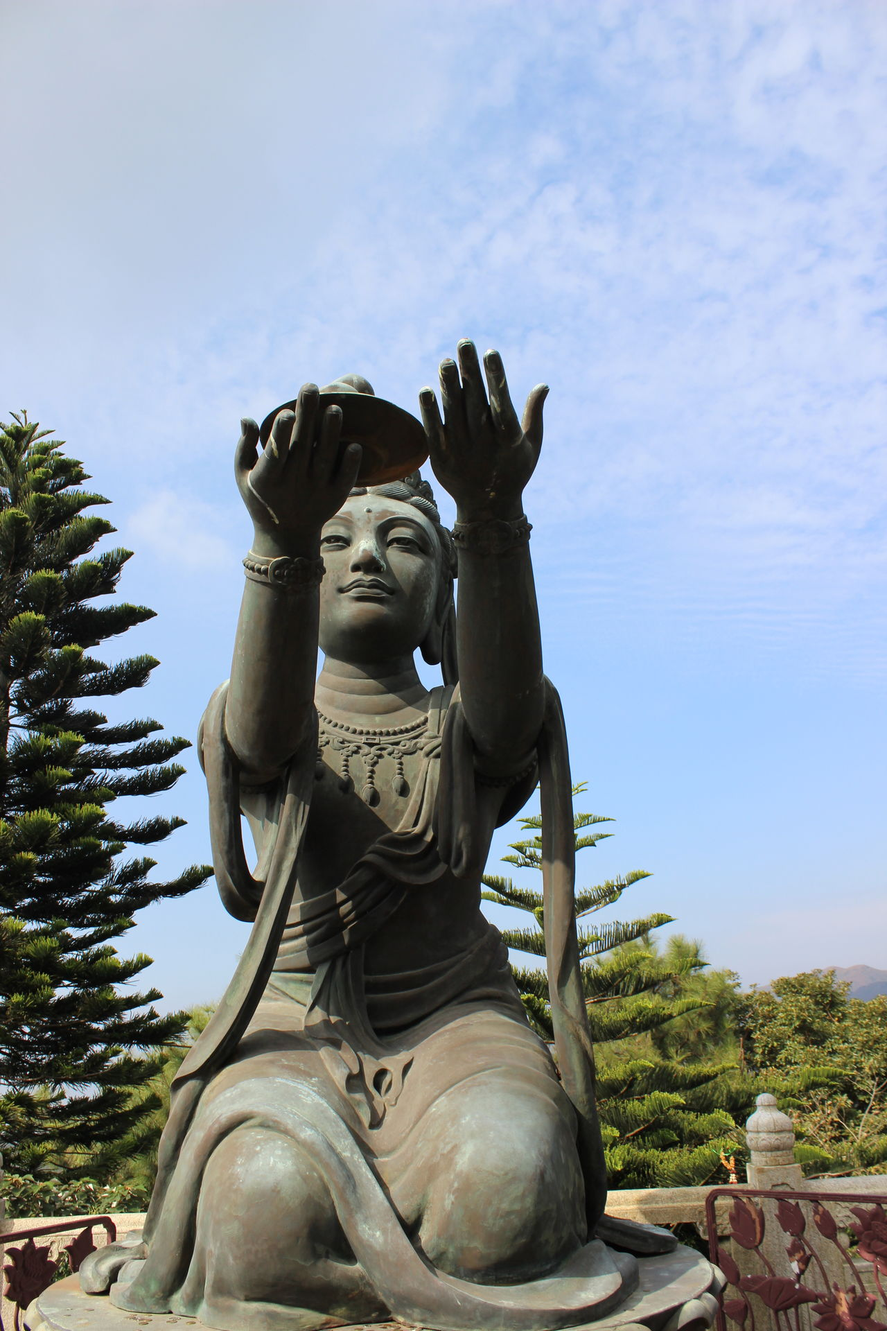 Statue Sculpture No People Outdoors Day Scenics Travel Photography Travel Destinations HongKong Tian Tan Buddha (Giant Buddha) 天壇大佛 Architecture Symbol Statue Beauty In Nature