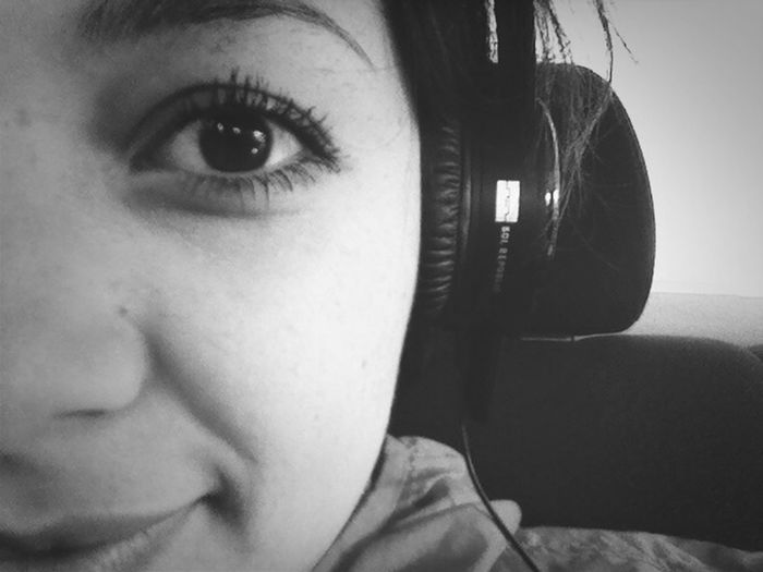 Traveling Sol Republic Escaping Headphones :D whit My boyfriend and family :) Dicember 2013