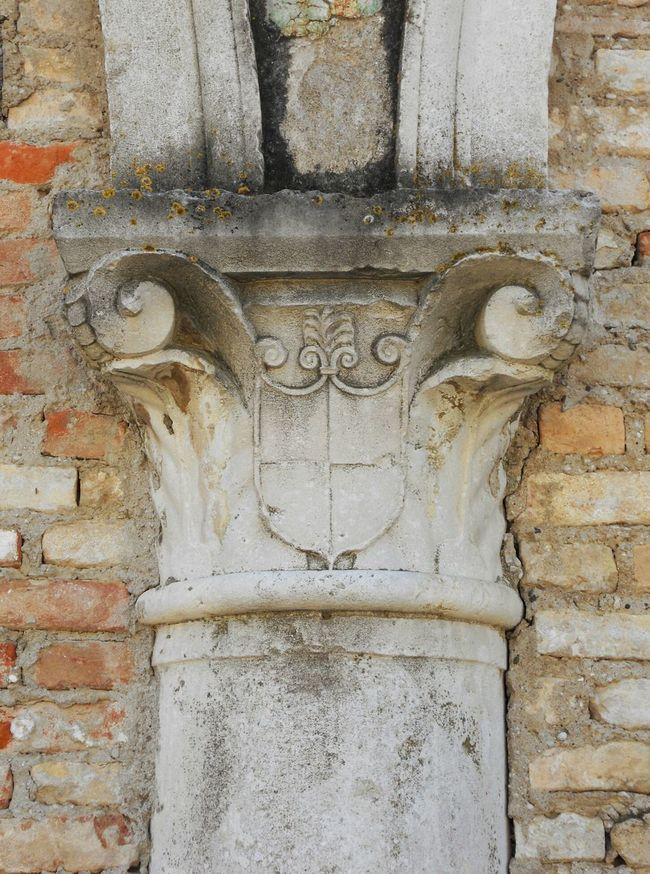 Italy Corinthian Doric Ionic Columns Capital Brick And Mortar Column Capitals Emblem  Stone Capital Greek Symbols Medieval Architecture Architectural Detail
