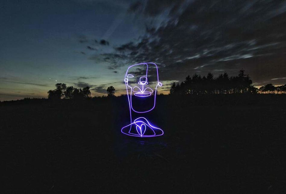 Lightpainting Portrait Lightpaintingphotography Continuouslineart Singleline Drawing