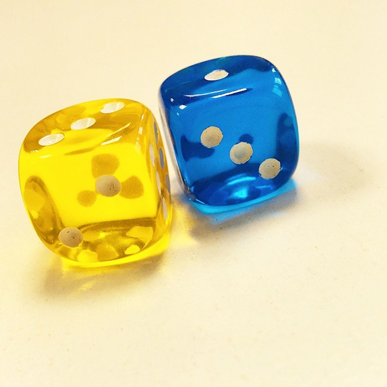yellow, white background, studio shot, dice, close-up, blue, no people, chance