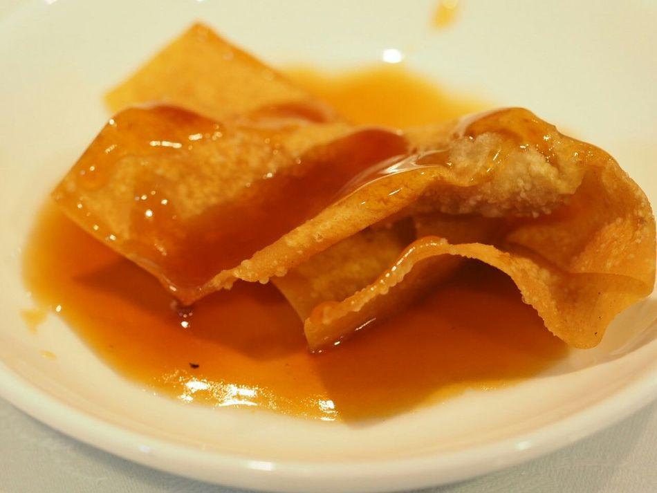 Taking Photos Foodphotography Food Chinese Food In My Mouf Enjoying A Meal Yummy Fried Wantan揚げワンタン! 甘酢を掛けて頂きます🎵