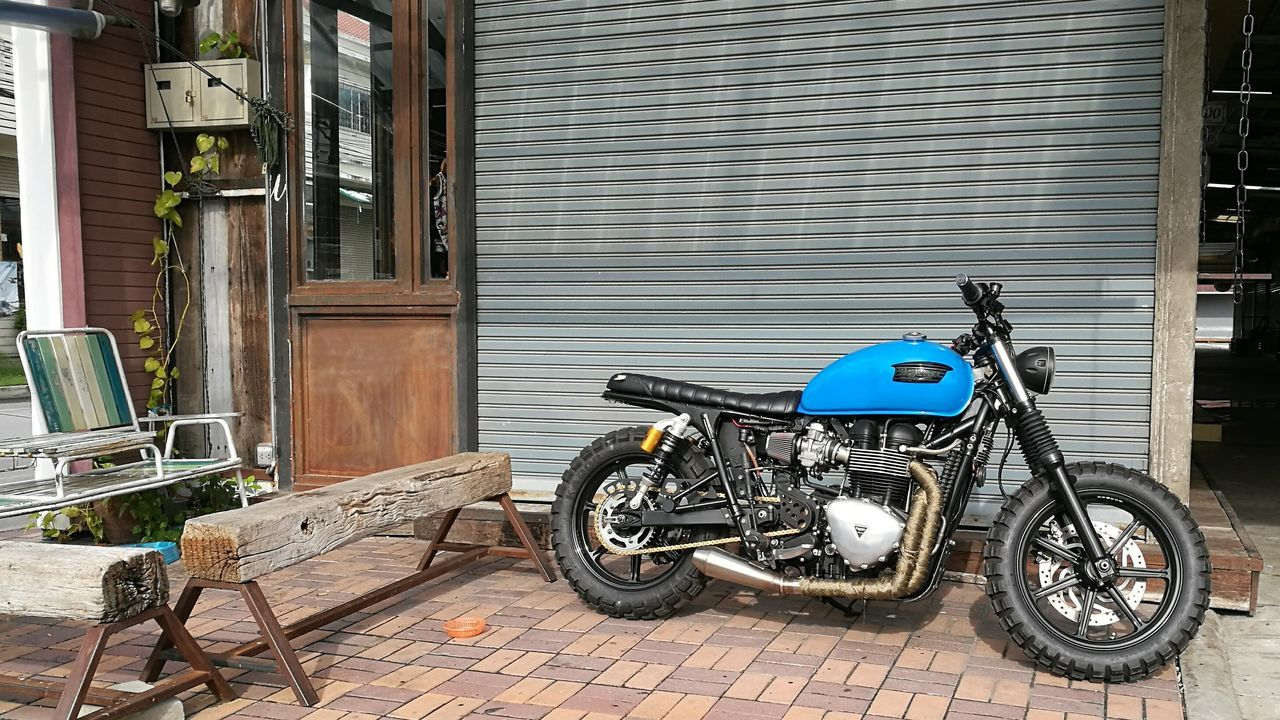 Beautiful Triumph Motorcycle Motorbike Outdoor Outdoor Photography Colors Colorful Huawei HuaweiP9 P9 Oo Leica DualCamera Auto Mode Nofilter Cropped Sunny Day Bangkok Thailand