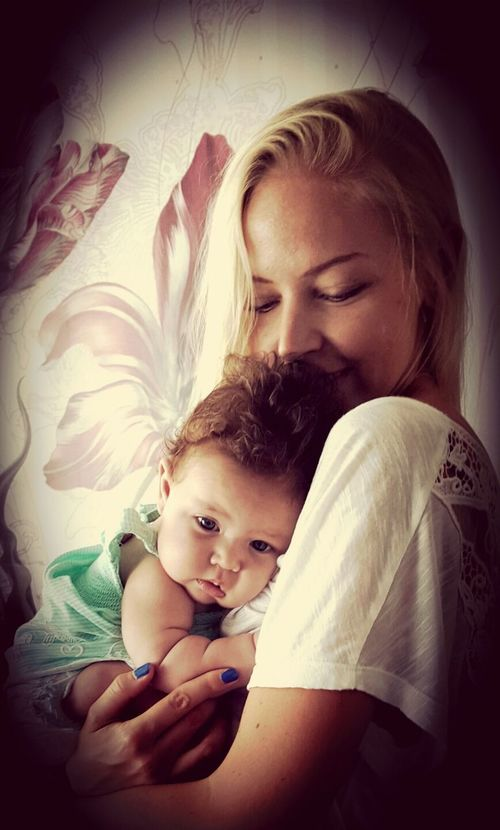 Baby ❤ Love Cute The World - My Hood Babygirl Geborgenheit Liebe Patenkind  Umarmung Patentante