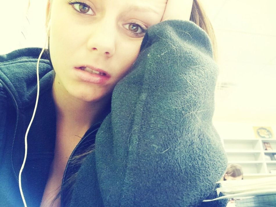 i hate school.