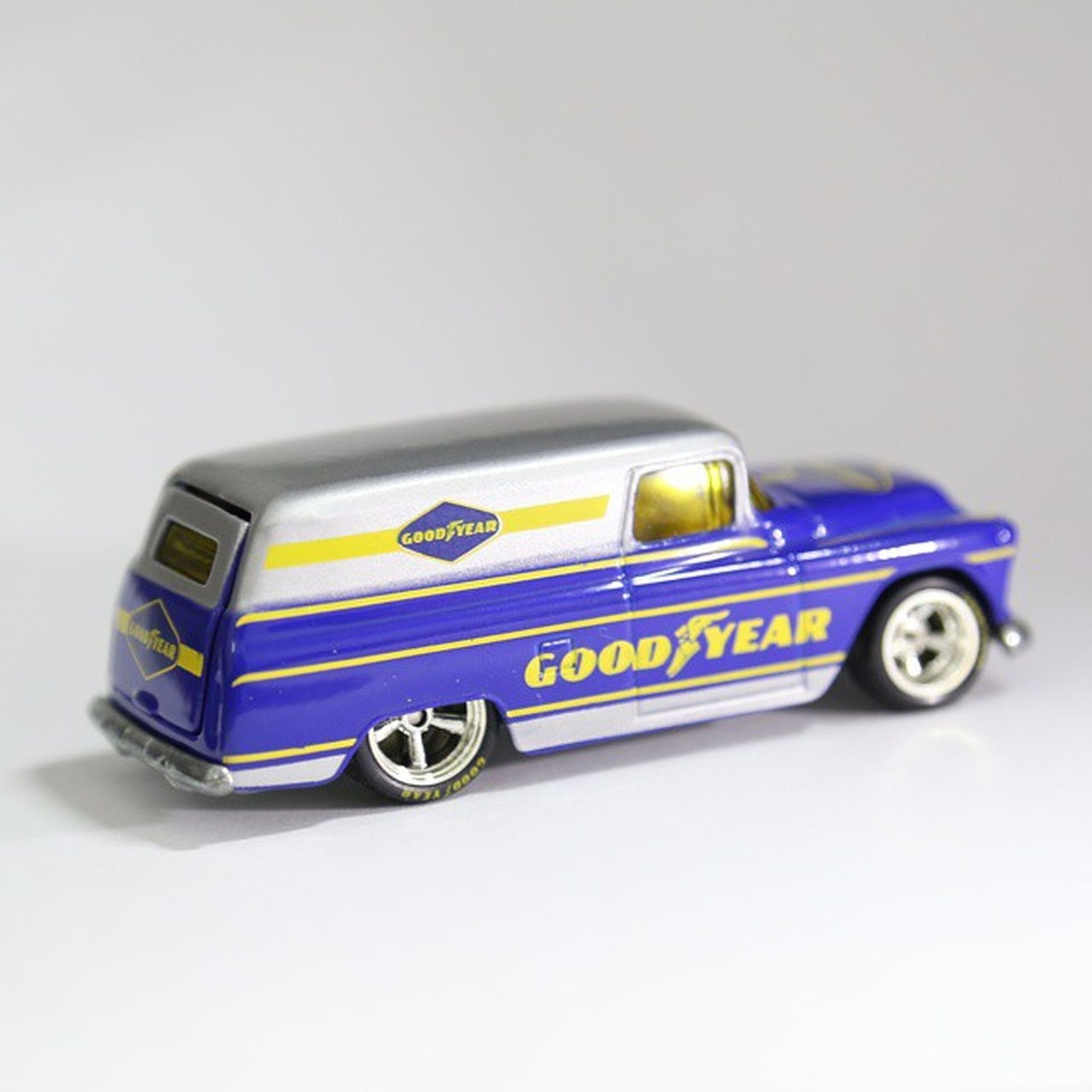 goodafternoon | chevy panel goodyear | no filter HotWheels Hotwheelscollector Hotwheelsbandung Hotwheelsindonesia Hotwheelscommunity Collector Blue Goodyear EOS1 Chevypanel Panel