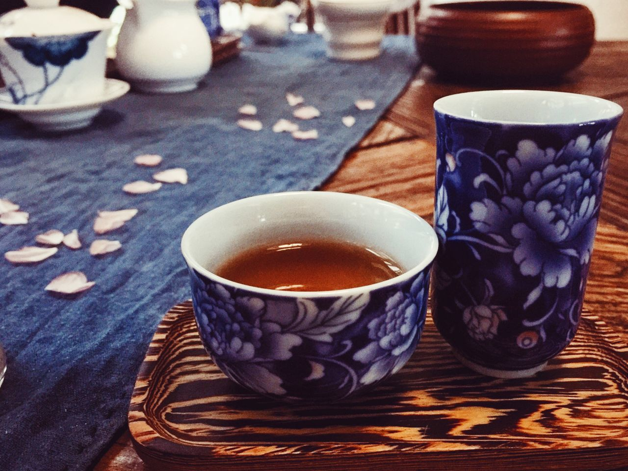 table, drink, food and drink, refreshment, cup, coffee cup, freshness, close-up, no people, indoors, bowl, tea - hot drink, pattern, focus on foreground, food, day, healthy eating, ready-to-eat