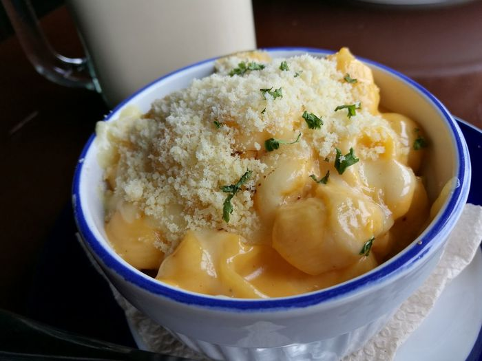 It aint easy being cheesy. Table MacandCheese4ever Pasta Close-up Macandcheese Food Carbs