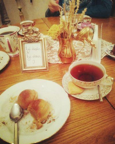 Teatime Teatime☕️ Vintagecup Halva Helva çay Table Food And Drink Indoors  Drink Sweet Food Ready-to-eat Iyidüşüniyiolsun😊