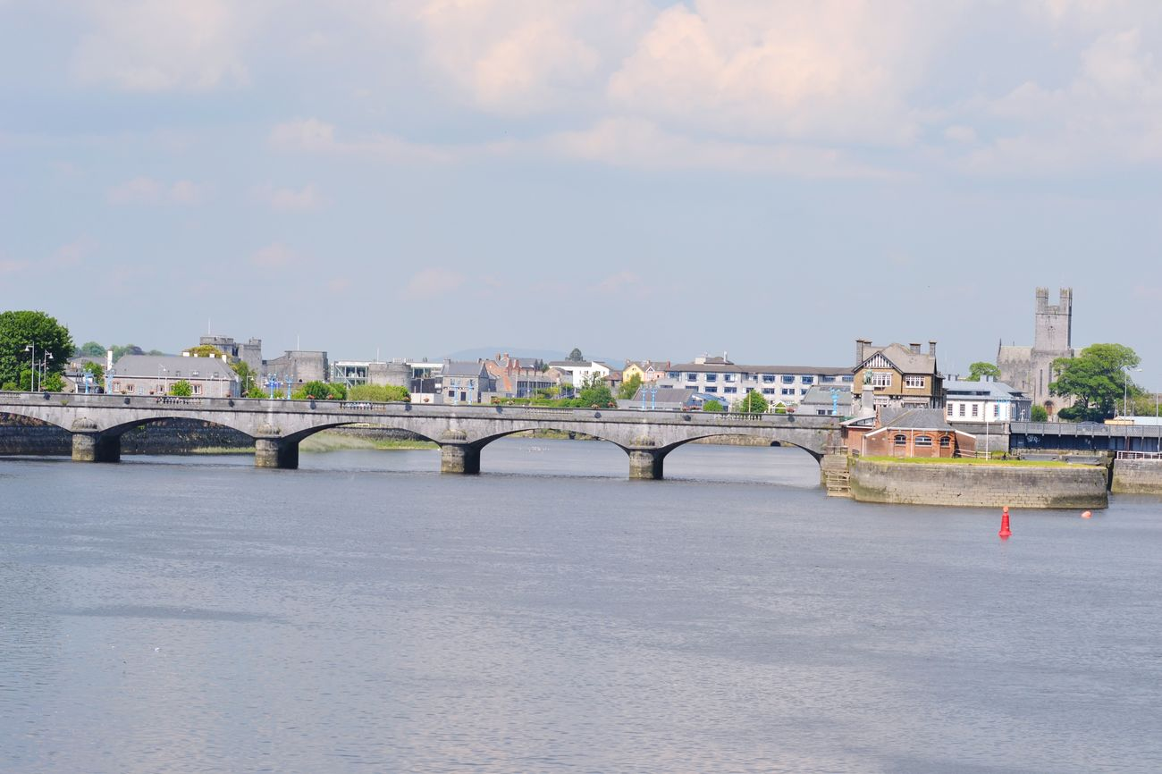 Sarsfield Bridge,Boat Clubs,St.Marys Cathedral,King John's Castle &. River Shannon