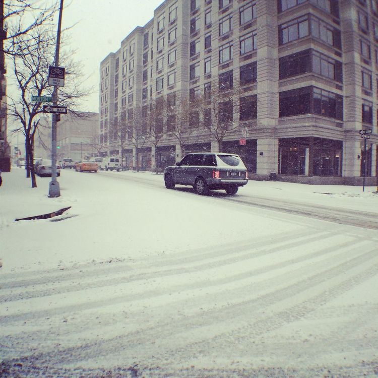 Snowfall Blizzard 2015 Newyork Landrover  It's Cold Outside Adapted To The City Adapted To The City