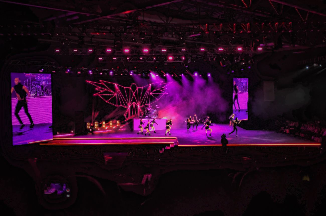 Music Performance Arts Culture And Entertainment Illuminated Indoors  Nightclub Skill  Nightlife Stage - Performance Space Popular Music Concert Stage Light Audience Large Group Of People Night People Dj Performing Arts Event Disco Lights Crowd Adults Only