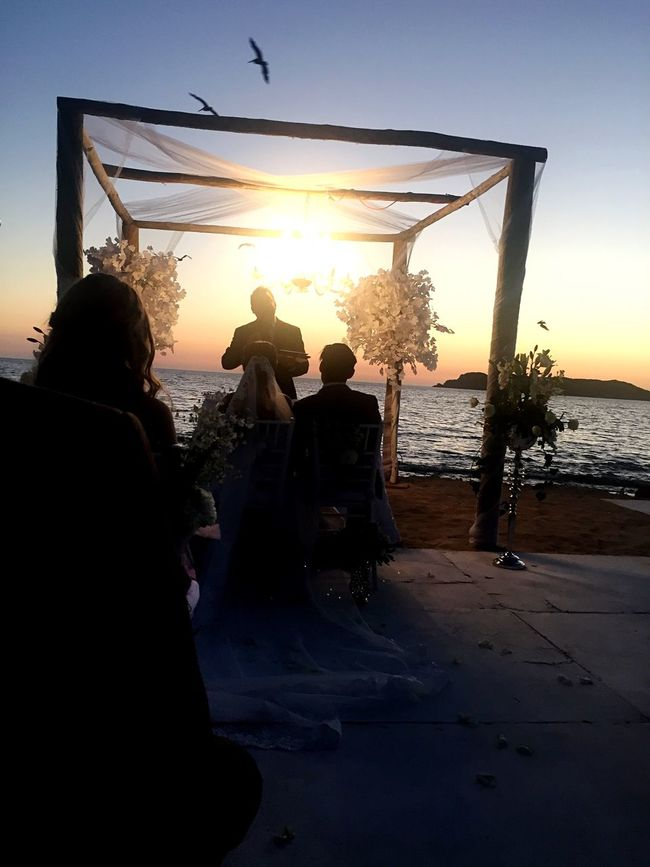 Newlyweds Person Relaxation Sunset Enjoyment Friendship Leisure Activity Men Carefree Couple - Relationship Wedding Photography Weddings Around The World Sky Togetherness Sea Fun Lifestyles Vacations Adult Happiness Beach People