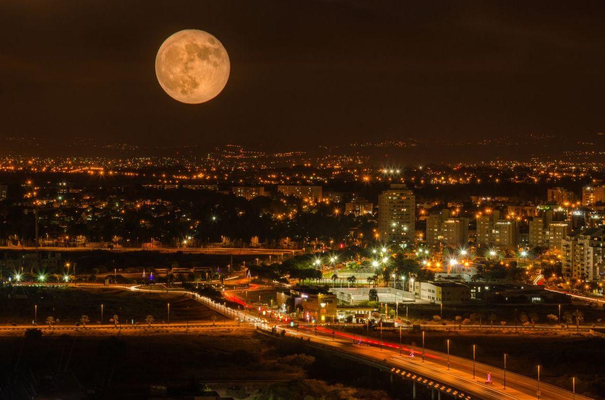 Super moon over Netanya City City Light Fantasia Dark Full Moon Lights Of Netanya Long Exposures Moon Moon Light Over Netanya Night Night Lights Night Photography Super Moon