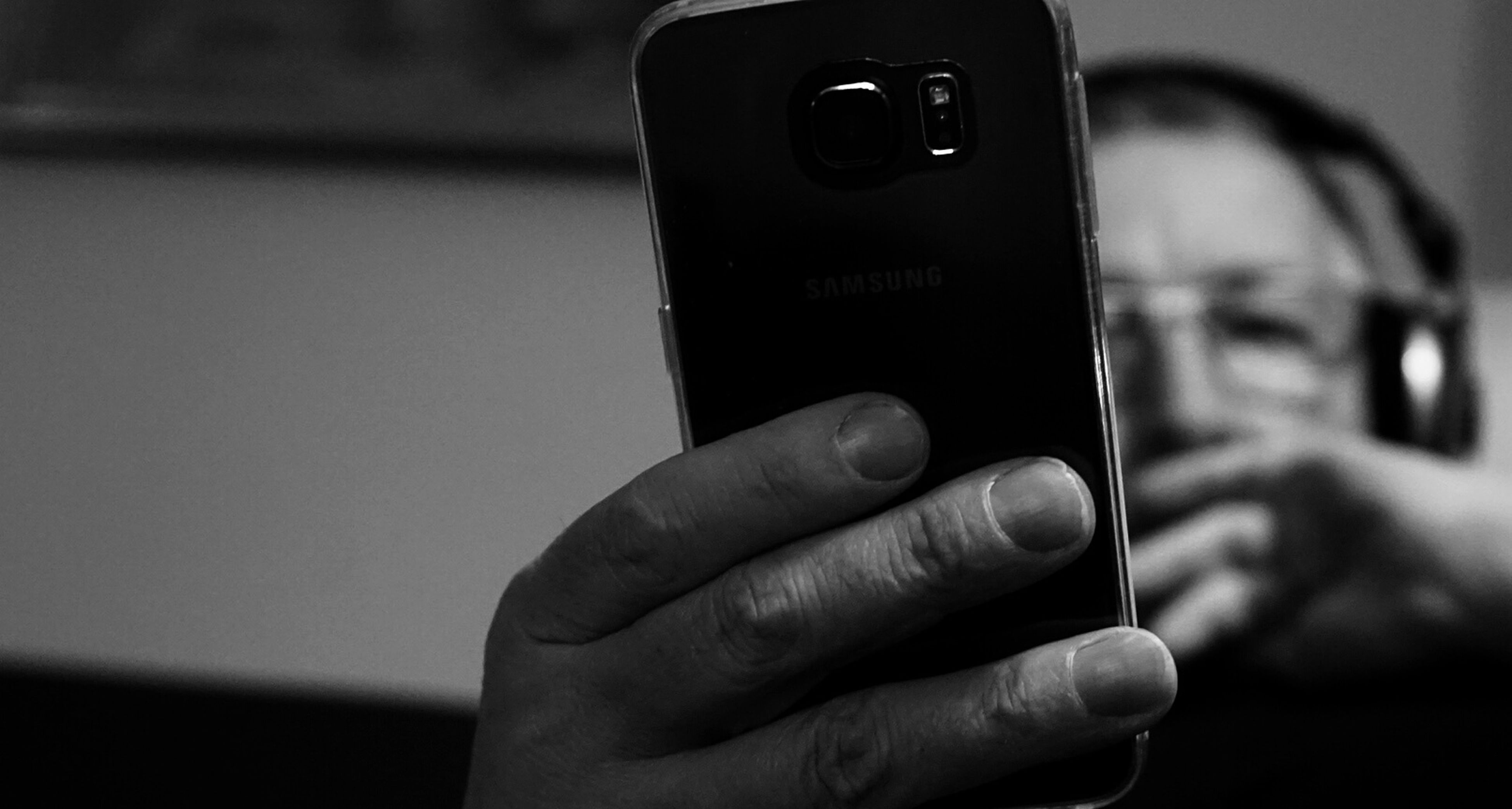 person, holding, part of, human finger, cropped, close-up, focus on foreground, technology, unrecognizable person, communication, photography themes, wireless technology, lifestyles, smart phone, personal perspective, photographing, men