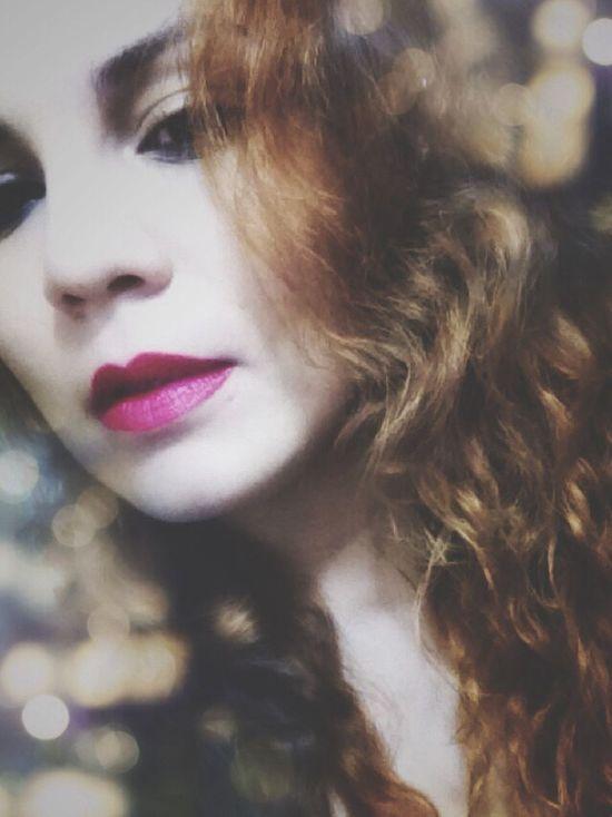 Me Faces Of EyeEm Woman Latina Puertorriqueña Wild Hair Lips Curly Hair Face Fresh