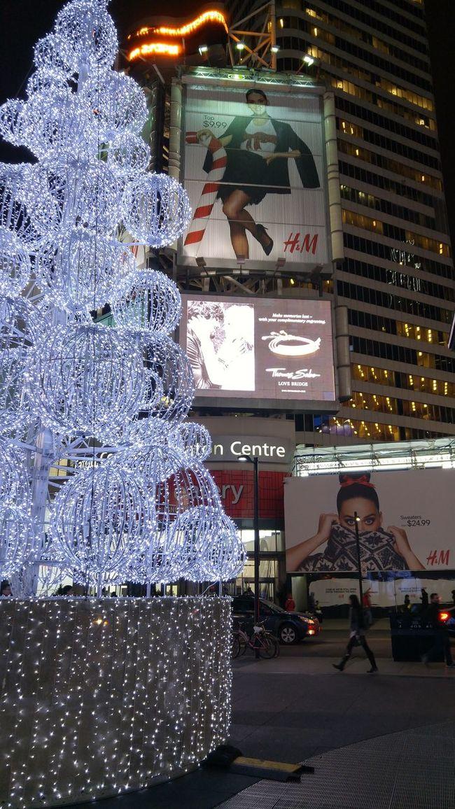 The Culture Of The Holidays Outdoors City Life Street EyeEm Streetphotography Eye4photography  Christmas Spirit Torontophotography EyeEmToronto Creativity Lights At Night