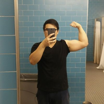 Monday-Friday, chest and biceps only. Broscience Bodyfat99 % Uaware Whowaslegs