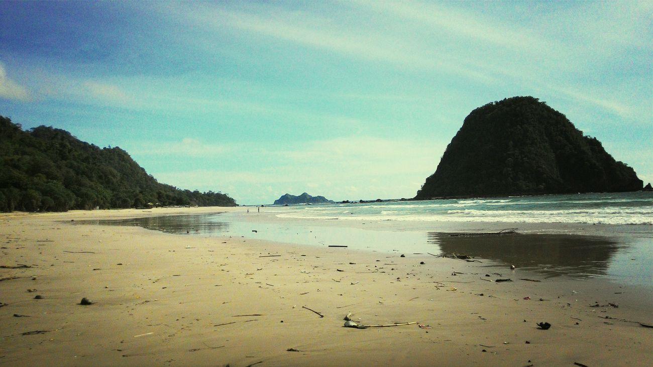 Pantai merah © banyuwangi