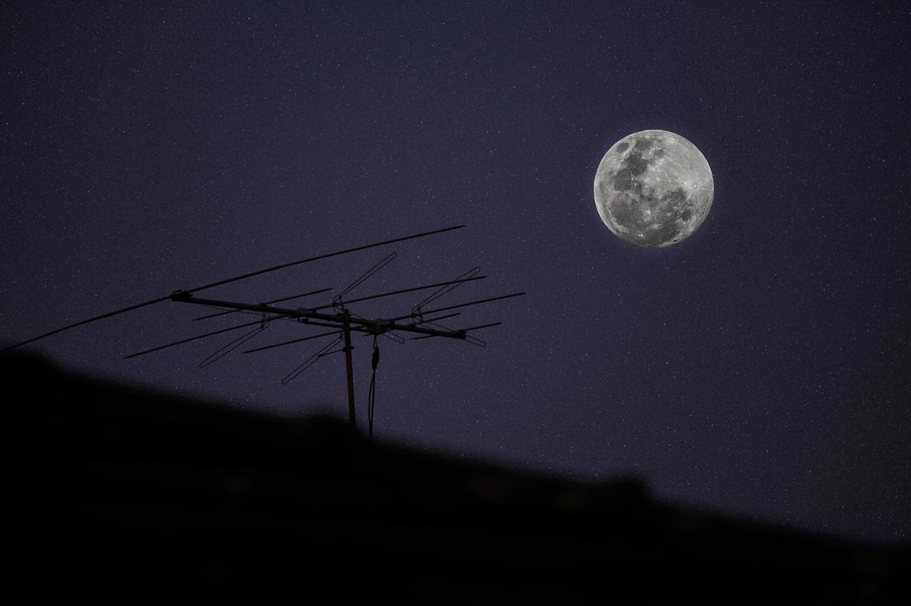 Full Moon Antenna Roof Rooftop