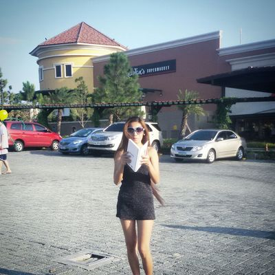 evia.. life style center.. vista land company.. philippines Walking Around Getting In Touch Relaxing Enjoying The Sun Make It Yourself Beautiful Day My Unique Style Model Pose Model Beautymess