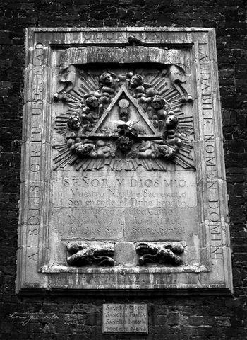 Borgiante Church Churches Espirítu Santo Holy Spirit Mexico Mexico City Paloma Pingeons Triangle Triangle Art Triangles