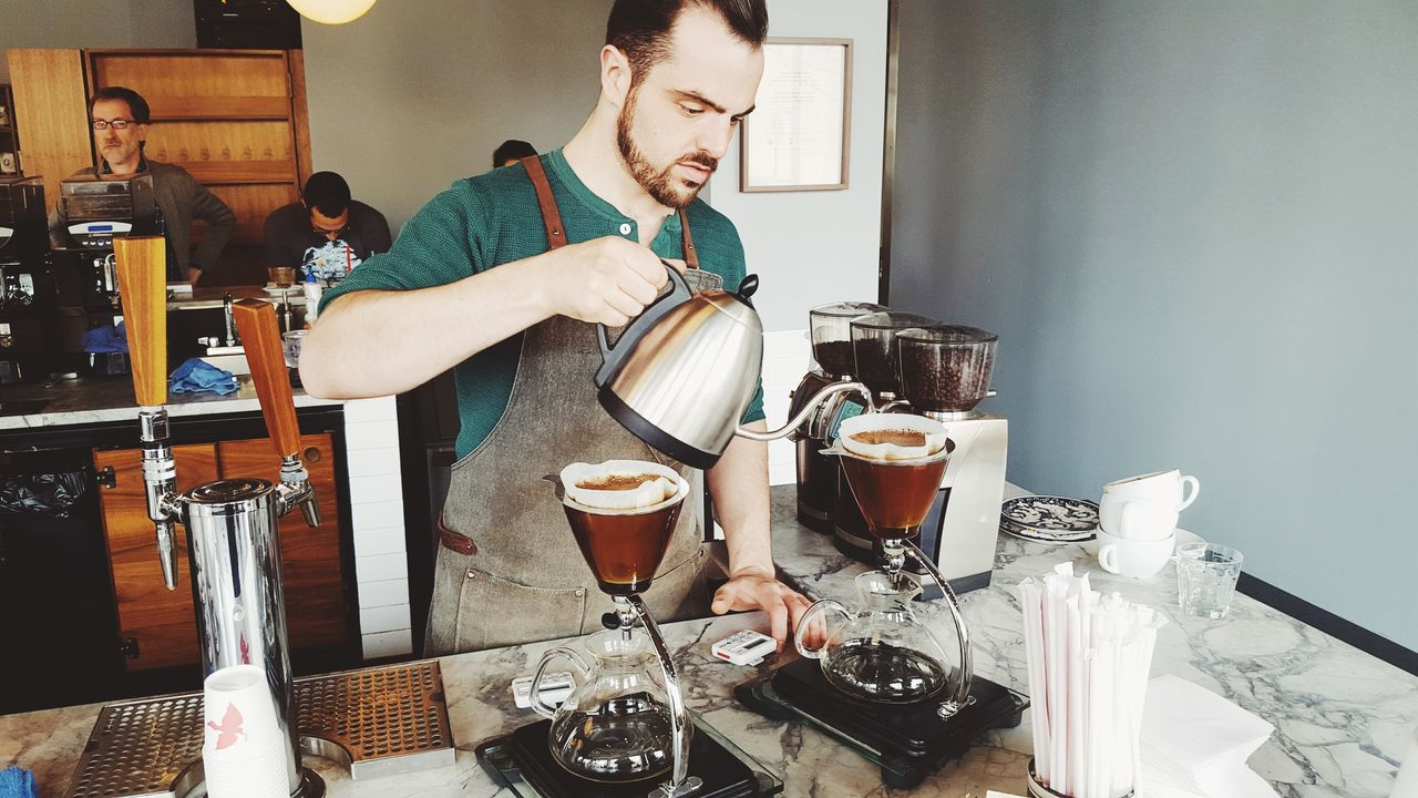 La Colombe Pour Overs Chicago Cafe Coffee Break Coffee Shop Chicago Barista Manual Brewing Manualbrewonly