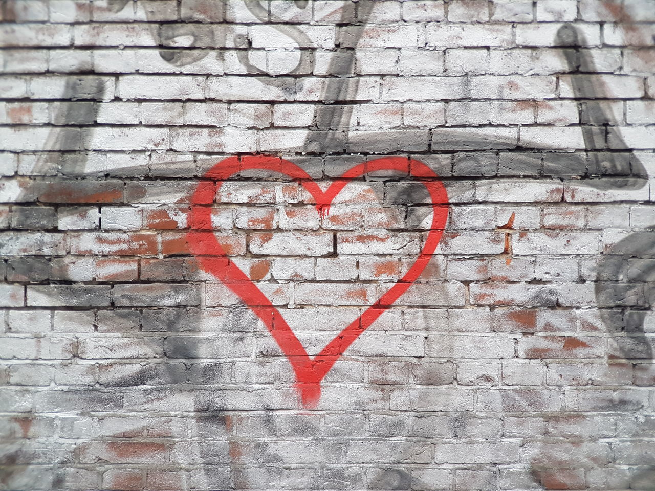 Love Heart Shape Red Outdoors Backgrounds Spray Paint Simple Psycology  Wall Old Buildings Old Walls Love Heart ❤ Heart Brickporn Brick Wall Bricks Love And Freedom Sign Details City Signs