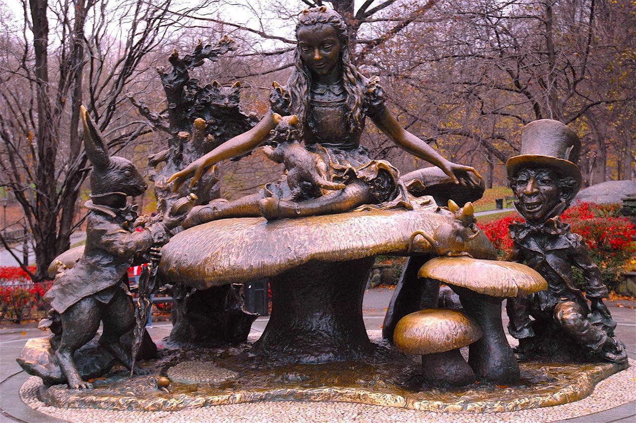 Alice In Wonderland Aliceinwonderland Cappellaiomatto Central Park EyeEmNewHere Fable On The Road Sculpture Statue EyeEmMagazine Darkness