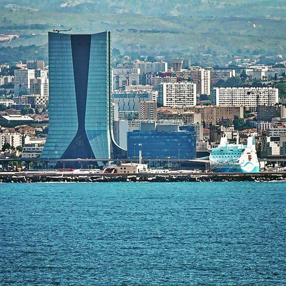 La Joliette / architecture & mer Nikonfr Unmomentsidoux Igersfrance Igerspaca Marseille Igersmarseille Massilia Joliette Lestdp Tdp_ig Lesterrassesduport Tdp_igm igm_tdp