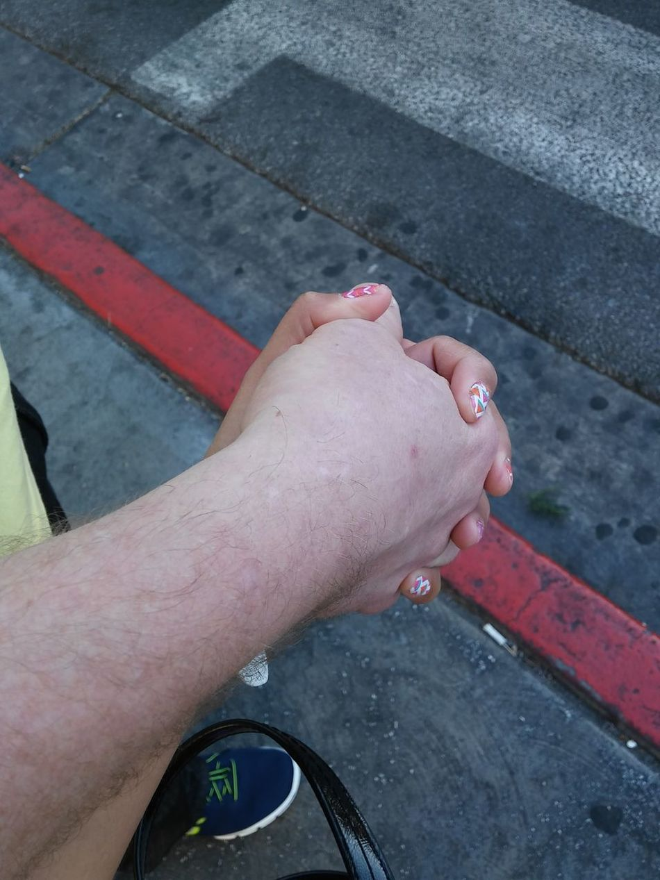 Up Close Street Photography Holding Hands Travel Photography Enjoying Life Relaxing Sweetheart.