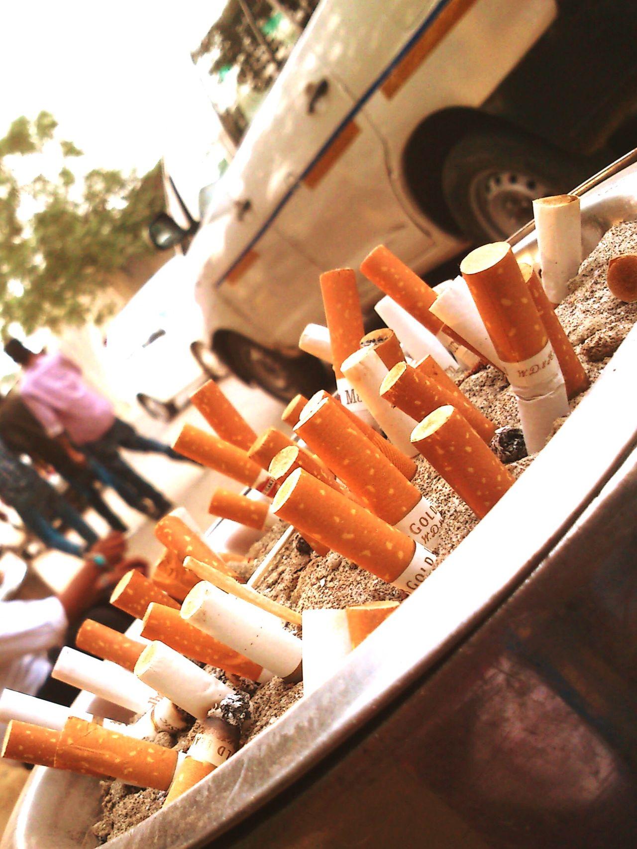 Burning Life's by Cigrettes Smoking