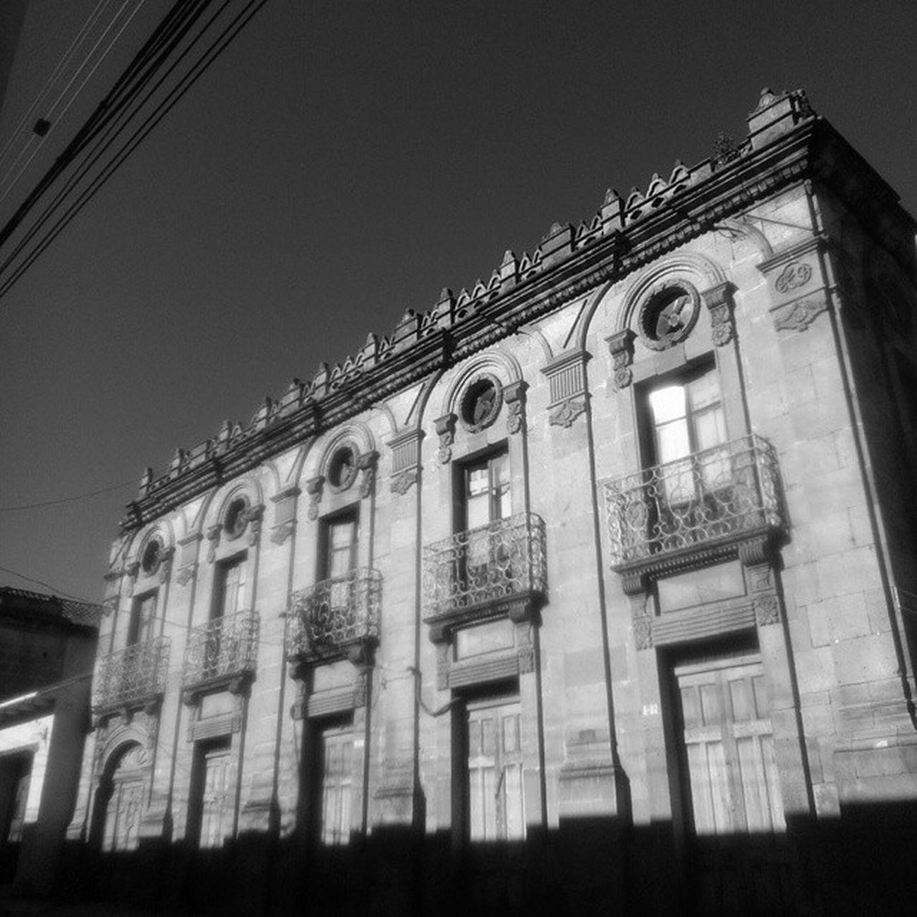 Xela neoclásica / Neoclassical Xela Xela Guatemala Arquitectura Edificio Viajes  Historia Architecture Building Travel History Instaguate Instaguatemaya Guategram PerhapsYouNeedALittleGuatemala TheRealGuatemala VSCO Vscocam Vscourban Blackandwhite Blancoynegro