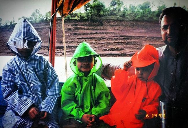 TBT  to a boat ride in Mahabaleshwar, India. We floated through Venna Lake, with our florescent rain coats. Goodolddays Tb Number1dad BestFather IndiaTrip Indiatour Orange Green Blue Fatherandsons Threebrothers Mountains Rainy Rain Blessings Middle Family Love Life Boat Ride Indianboat Follow Instagood picoftheday instadaily lfl memories ztprod