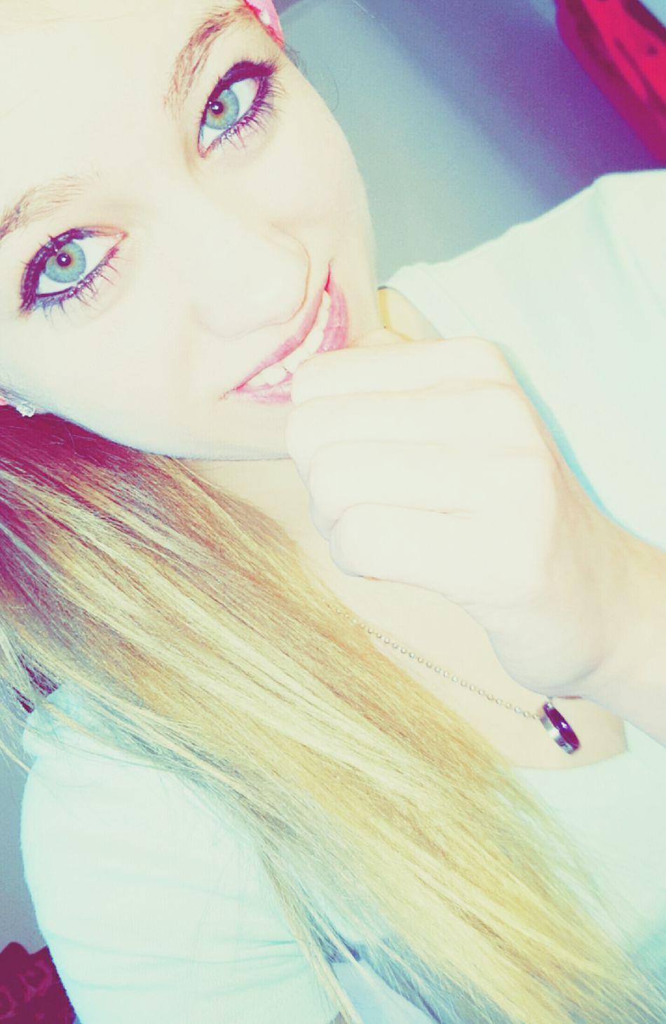 This Week On Eyeem My Eyes <3 My Eye Color Looks Cool !  Week On Eyeem The Photojournalist - 2016 EyeEm Awards Love This Picture. Eyeem Market I Love You ! EyeEm Gallery Pretty Eyes <3  Green And Blue EyeEm Best Edits Keep Smiling Snapshots Of Life Soon To Be Fiance Army Wife Things I Like Eye Photography