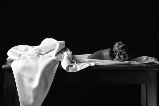 Pimentones sobre la Mesa!!! @shivaluisa Eye4photography  EyeEm Best Shots - Black + White Bw-collection Blackandwhite