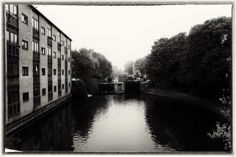 Hackney Morning River Up Close Street Photography Streetphoto_bw LONDON❤ Film Noir Hoxton Halloween Hackney Streetphotography Black & White Autumn Canal Misty Morning Outdoors