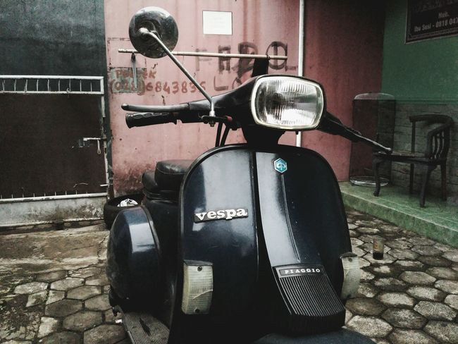 Piaggio Vespa 97' EyeEmNewHere Motorcycle Vespavintage Vespa Land Vehicle Mode Of Transport No People Day Fashion Stories