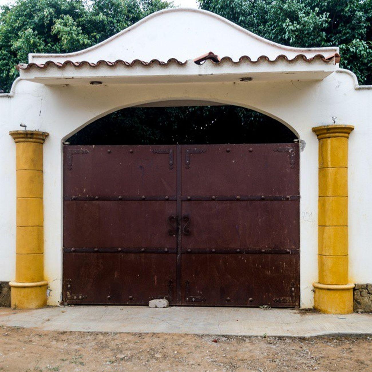 Buscando lugares nuevos... - Oaxaca Igersoaxaca Puertasmex Door Old -