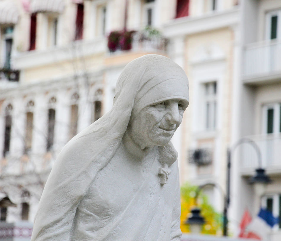 mother teresa statue in skopje, macedonia Architecture Blessed  Catholic Church Day Macedonia Monument Monuments Mother Teresa Mother Teresa Squa Ohrid Outdoors Sculpture Statue Statue Teresa