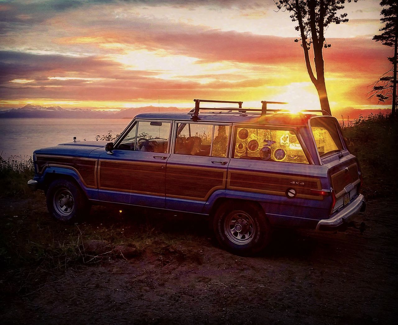 Wagoneer Waggy Wood Paneling Woody Wood Grain Jeepgrandcherokeeclub JeepneyMoments Jeep Life Sky Sunrise Sunset