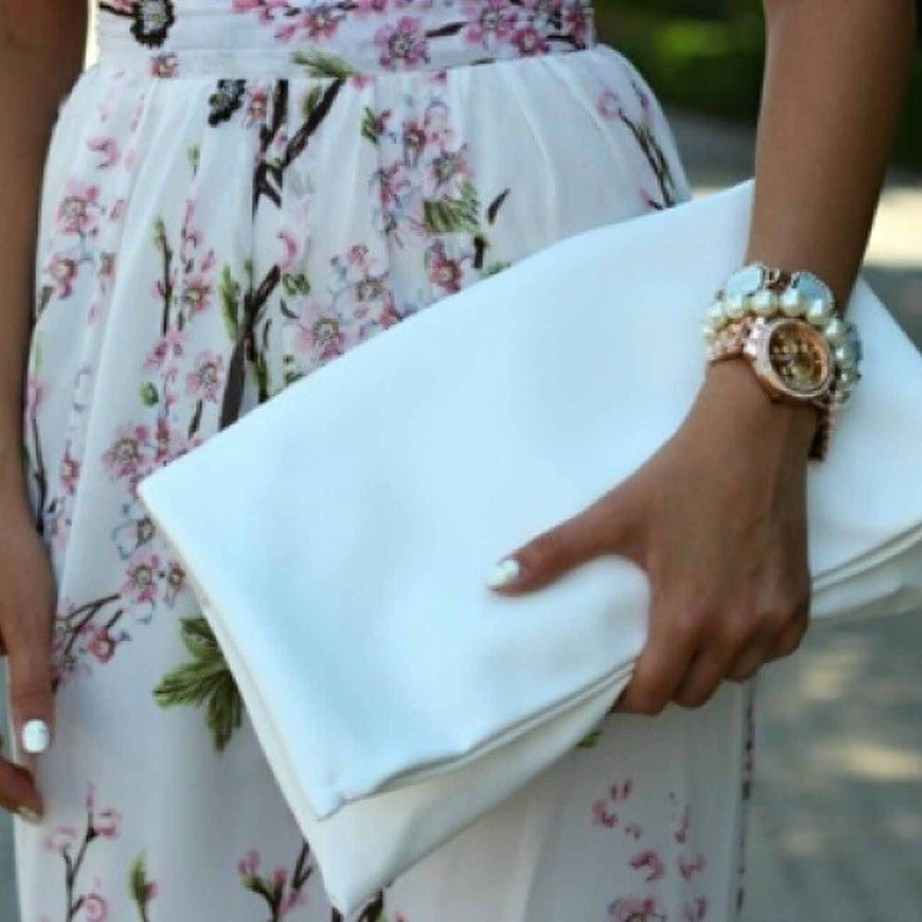Fashionworkstv HowtoStyle Hotsummer Summerwear floralDress whitebag WhiteNailpolish nailart Jewelry pearlBracelet Bracelet GoldWatche luxurious photo tagsforlikes fashionworks5 smile