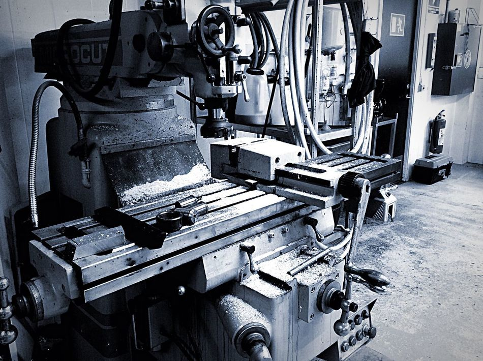 Blackandwhite Black & White Dust Steel Steelmaking Tool Machine Machine Tool Work Working Workshop Straight Straight Lines Stainless Steel  STAINLESSSTEEL Blacksmith Shop Blacksmith