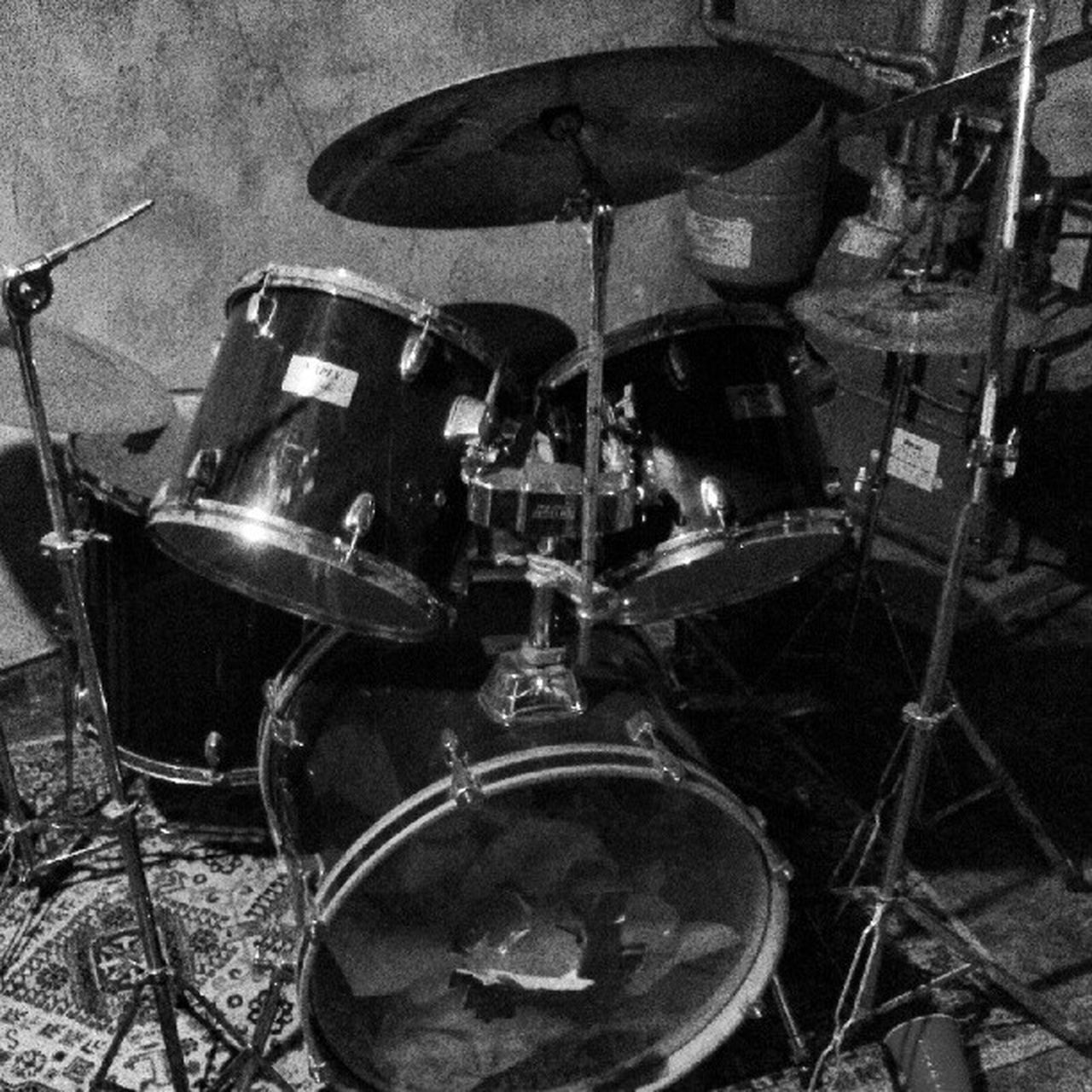 music, musical instrument, drum kit, drum - percussion instrument, arts culture and entertainment, cymbal, recording studio, indoors, drum, no people, close-up, day