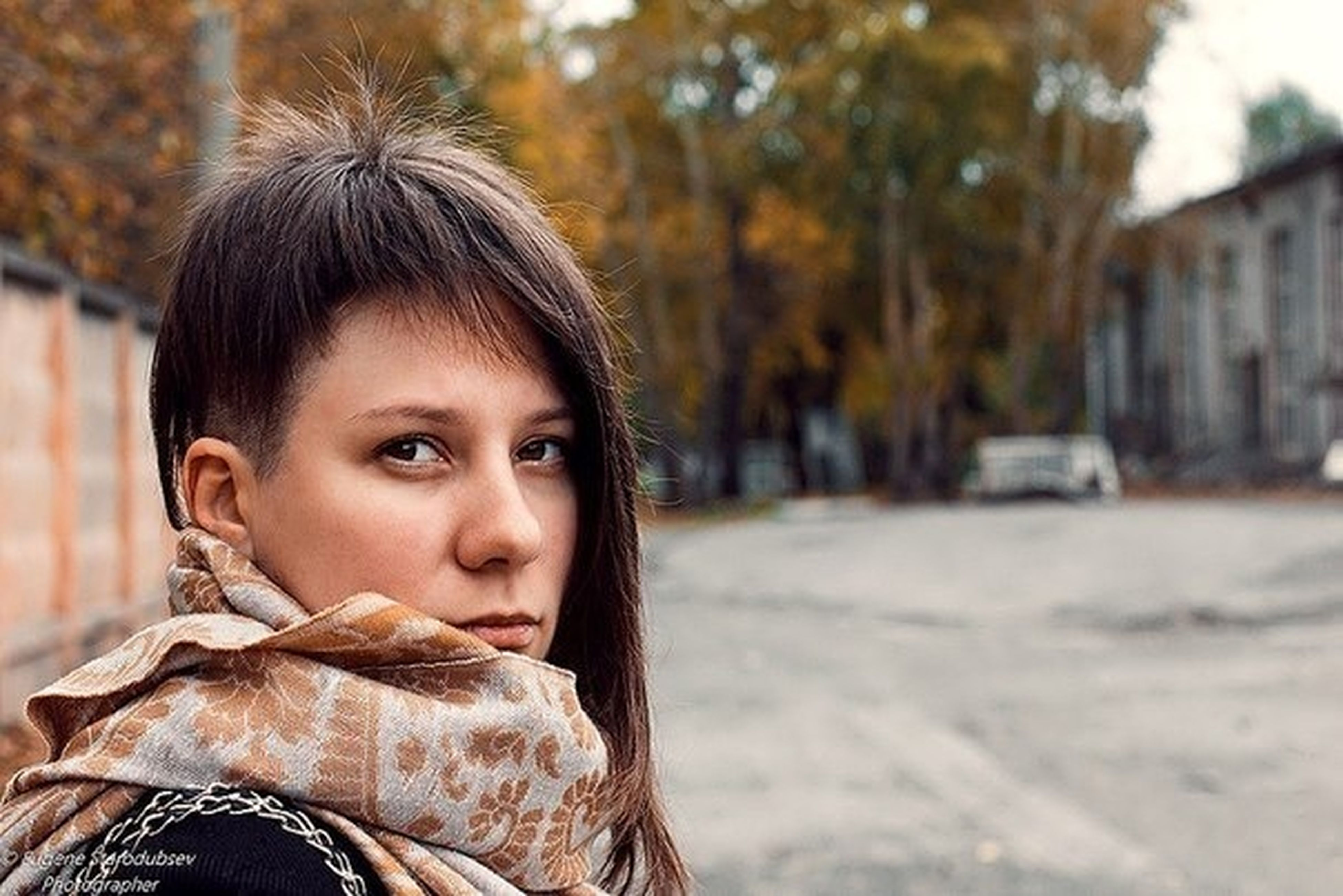 focus on foreground, person, lifestyles, headshot, childhood, leisure activity, elementary age, girls, close-up, front view, smiling, looking at camera, casual clothing, portrait, cute, innocence, park - man made space