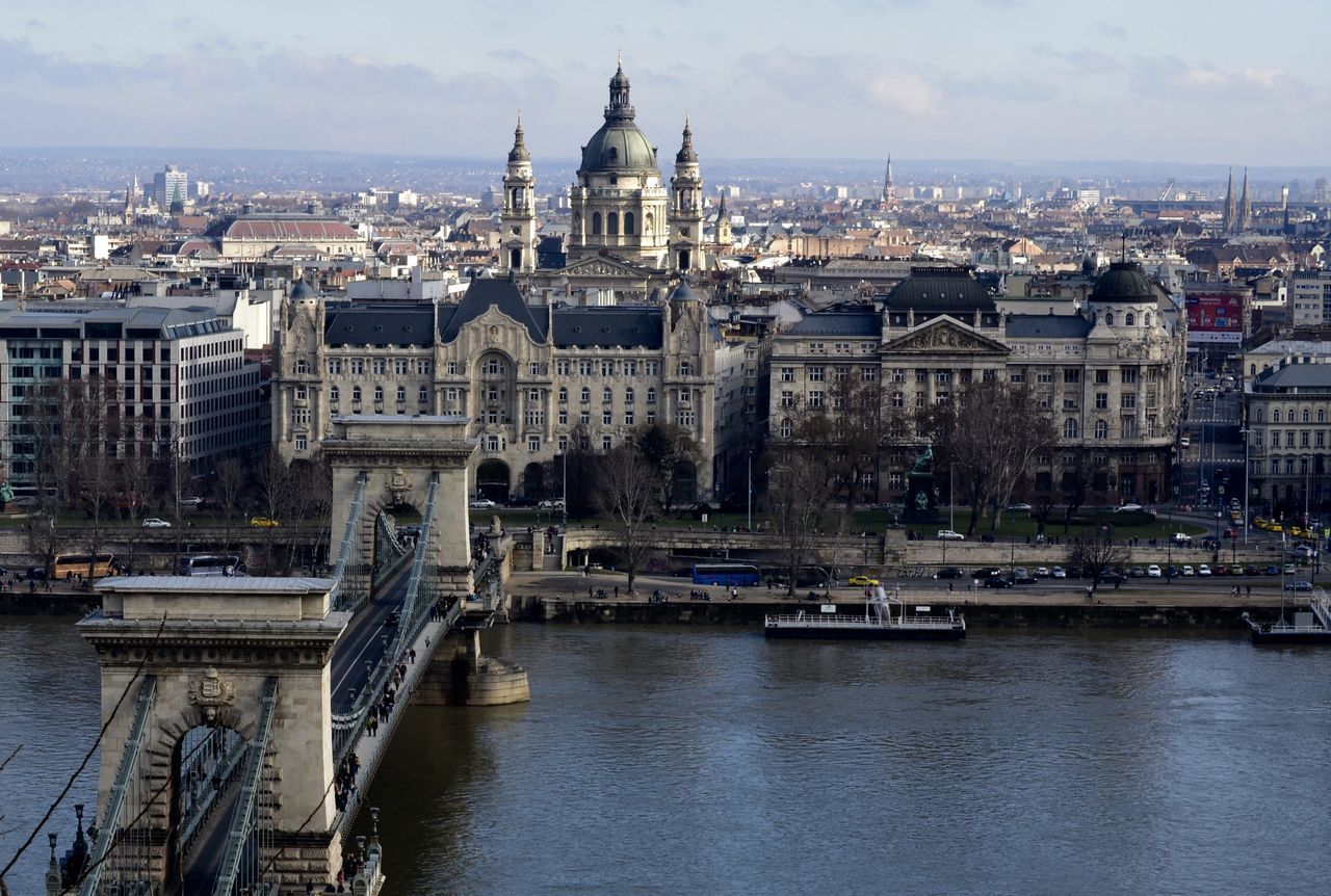 Aerial View Architecture Budapest Building Exterior Built Structure Capital Cities  Chainbridge City City Life Community Composition Development Façade Famous Place History Hungary Incidental People International Landmark Outdoors Perspective Residential District River Tonava Top Perspective
