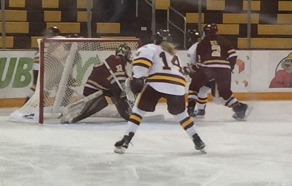 Women's ice hockey, Univ Minnesota Duluth vs Boston College in Duluth. UMD up 5-0. Icehockey Women Sports College