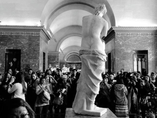 Musée Du Louvre Venus De Milo Papparazzi Crowd First Eyeem Photo Smartphonephotography