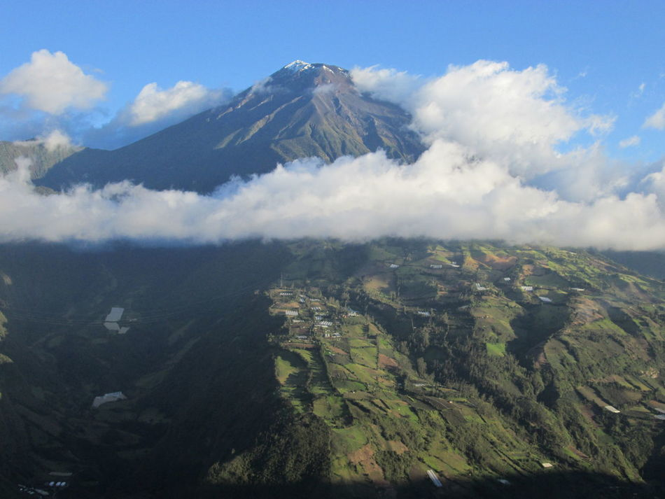 Beauty In Nature Cloud Cloud - Sky Geology Landscape Majestic Mountain Mountain Peak Nature Non-urban Scene Physical Geography Scenics Tranquil Scene Tungurahua Valley Volcano