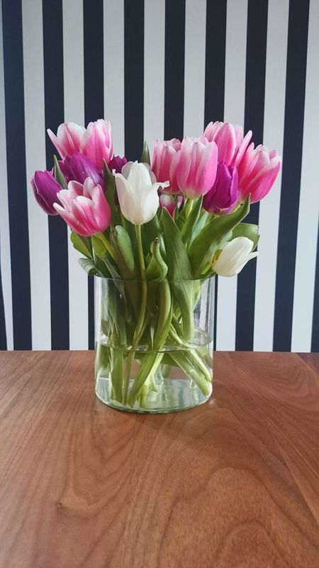 Decoration Home Interior Interior Decorating Home Flowers Bunch Of Flowers Tulips Tabledecoration Contrast Blackandwhite Wall Stripes Straight Lines Colors Contrasting Colors Springtime Light And Shadow Pink